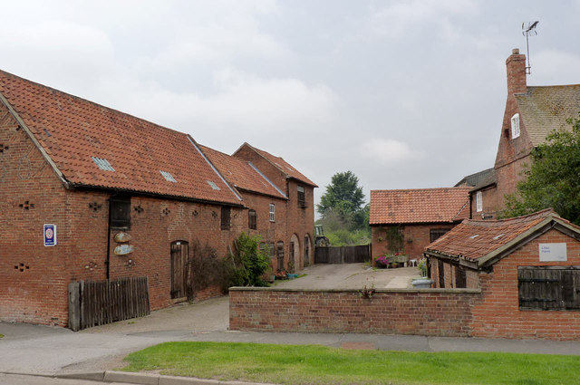 Lilac Farm farmyard, High Street, Laxton