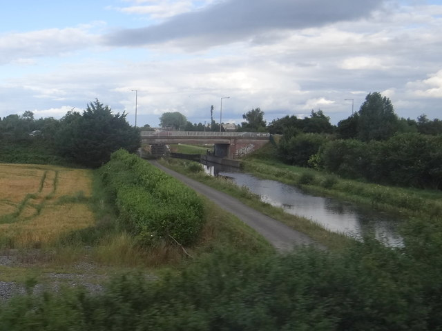 Grand Canal and road bridge