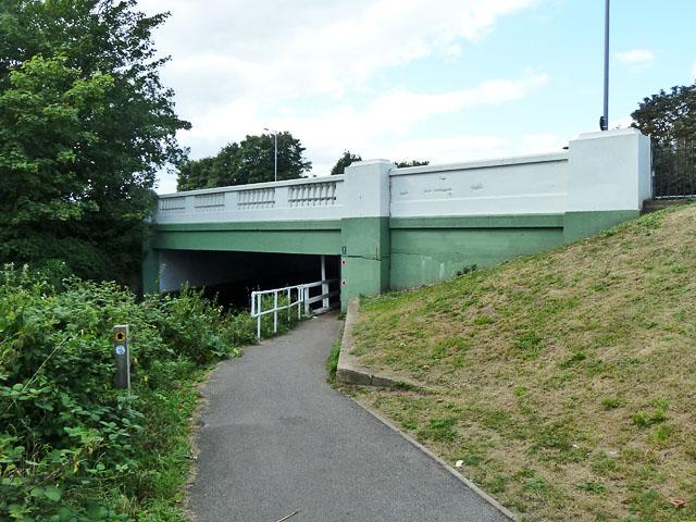 Path under A316