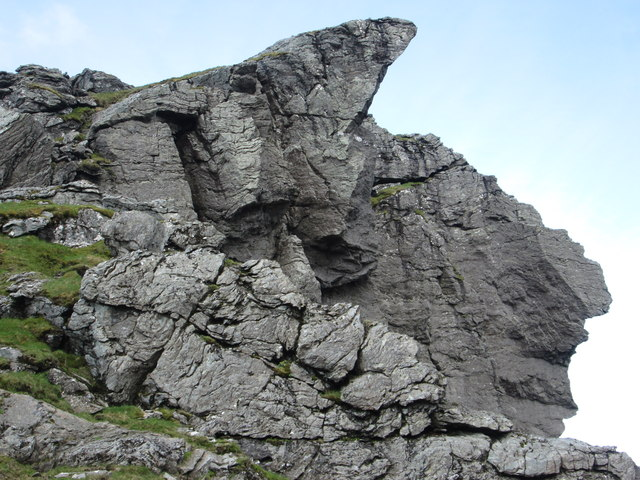 """Spectacular overhangs of the north Peak of """"The Cobbler"""""""