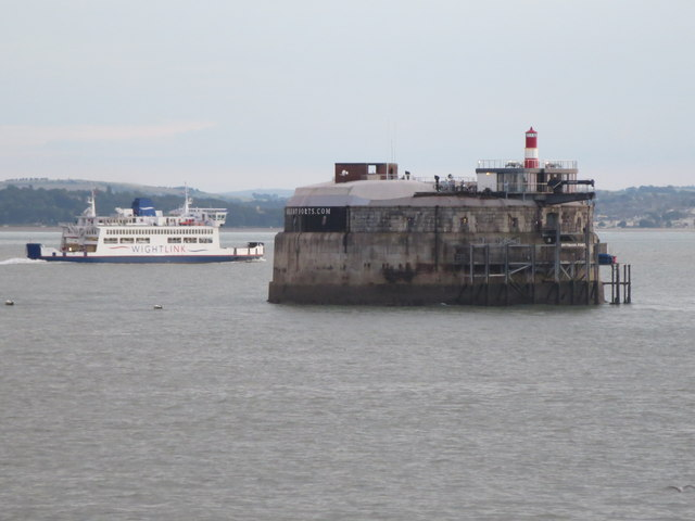 Spitbank Fort rounded by Wightlink Ferry