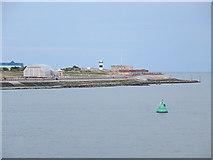SZ6497 : Promenade and sea-wall south of Southsea Castle by Stuart Logan