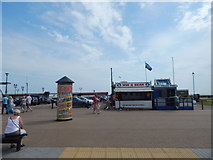 TG5307 : Win a Bear, Marine Parade by Hamish Griffin