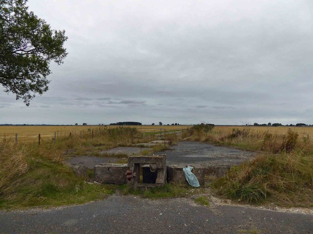 Former concrete aprons to Kelstern airfield