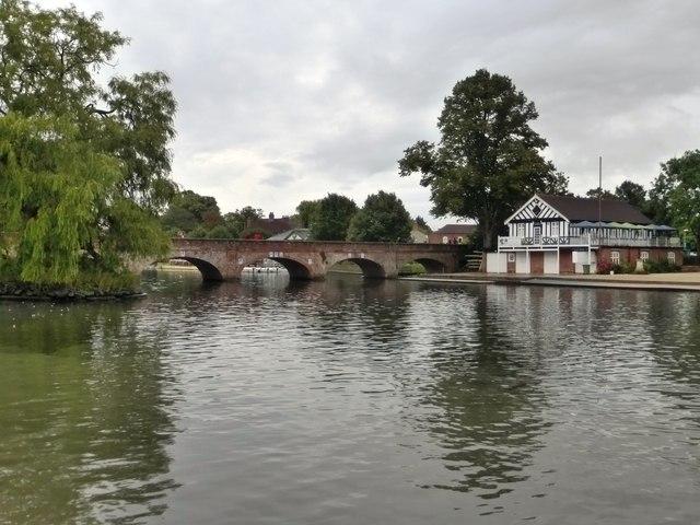 Old Tramway Bridge and Stratford Upon Avon Boat Club