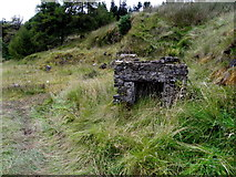 H0879 : Small stone structure, Slievedoo by Kenneth  Allen