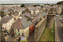 SH4762 : Caernarfon town walls by Richard Croft