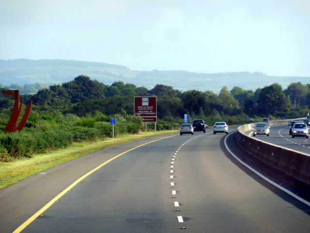 The M7 / E20 enters County Tipperary