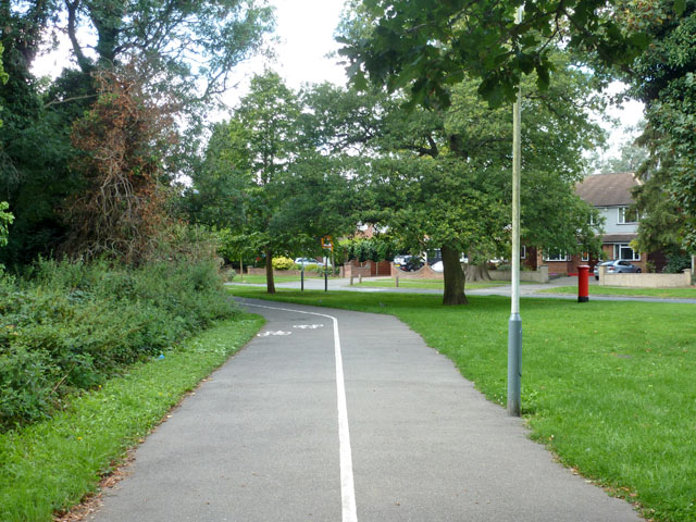 Foot and cycleway, Ickenham