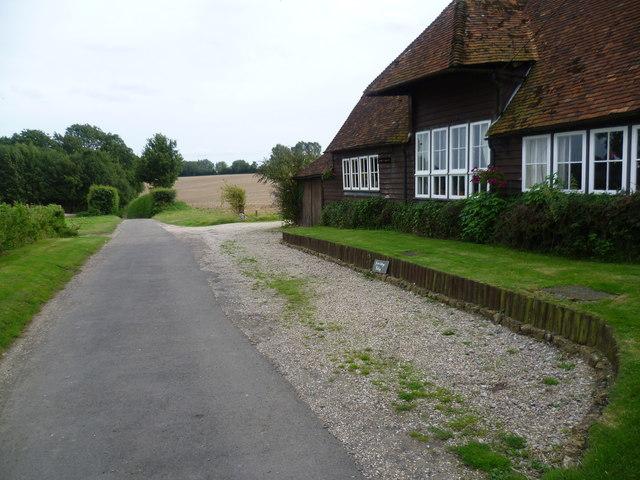 Iden Farm Cottage and Iden Lane