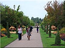 TQ2882 : Broad Walk, Regents Park, Westminster by David Hallam-Jones