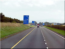 N7712 : The M7 / E20 towards junction 12 by Ian S