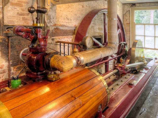 Quarry Bank Mill, Horizontal Steam    © David Dixon