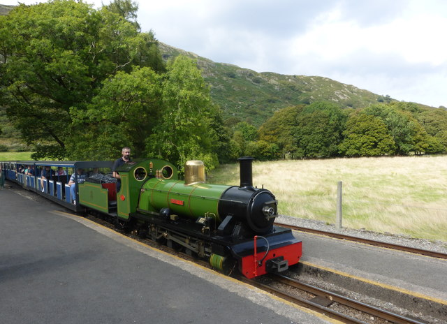 The River Irt locomotive arriving at Dalegarth Station