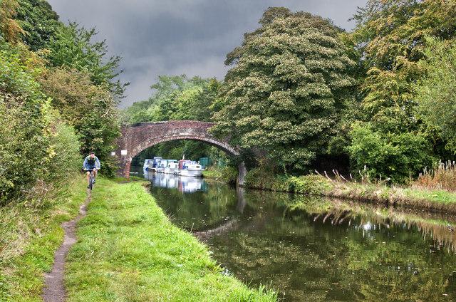 The Bridgewater Canal - Pickerings Bridge