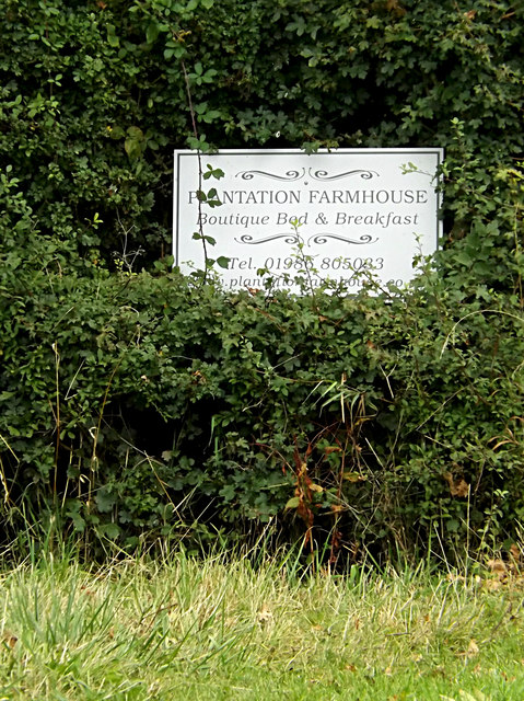 Plantation Farmhouse sign