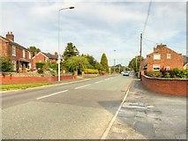 SJ7667 : Holmes Chapel, Macclesfield Road by David Dixon