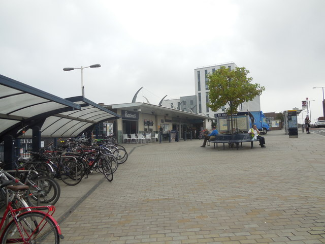 Plaza outside Twickenham Station