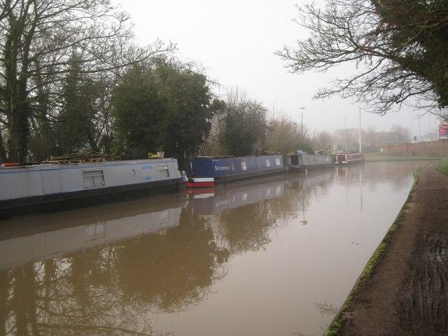 Foggy morning, Warwick – moorings, Grand Union Canal near Bridge 46