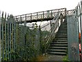SU1685 : Footbridge, Paddington to the West railway, Stratton, Swindon (3) by Brian Robert Marshall