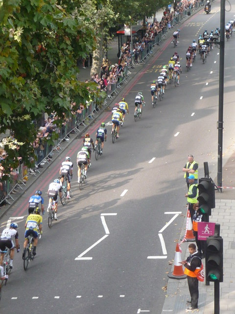 London: looking down on a cycle race