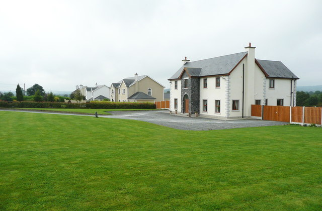 Houses in the countryside near Knocktopher