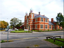 SU8651 : Junction of Hospital Road and Queen's Avenue by Shazz