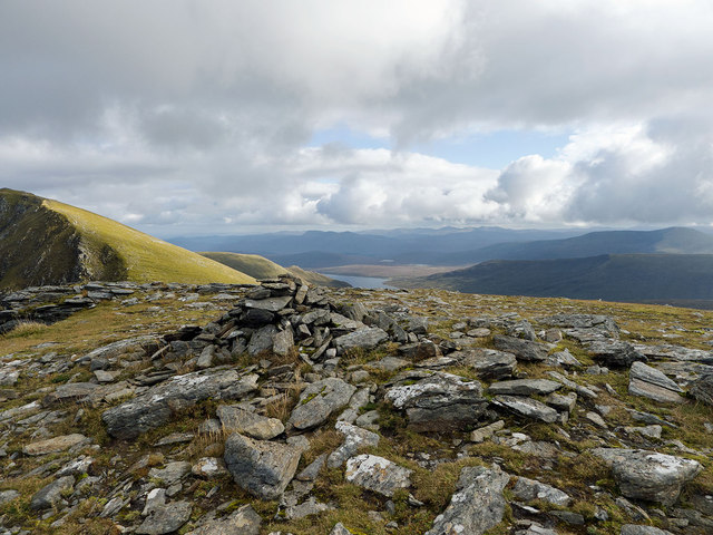 Summit cairn of Toman Coinnich
