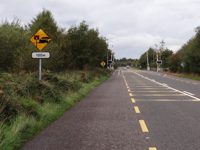 Level crossing ahead © Ian Paterson :: Geograph Ireland