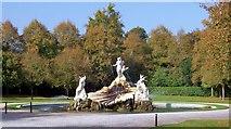 SU9185 : The Fountain of Love, Cliveden by Len Williams