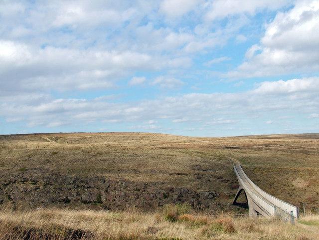M62 Pennine Way footbridge