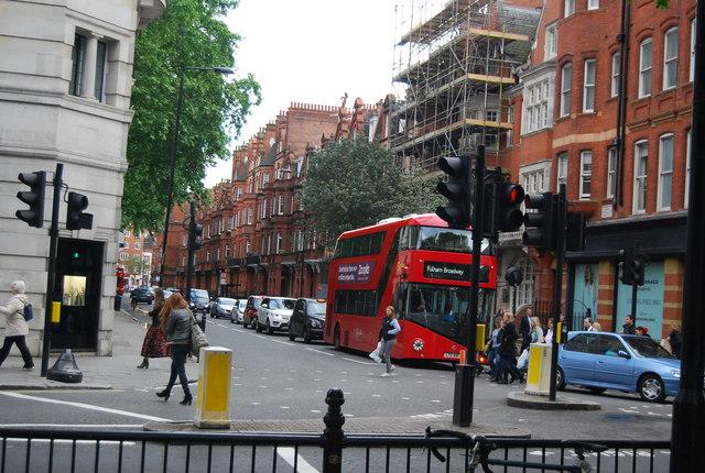 Red London Bus, entering Sloane Square