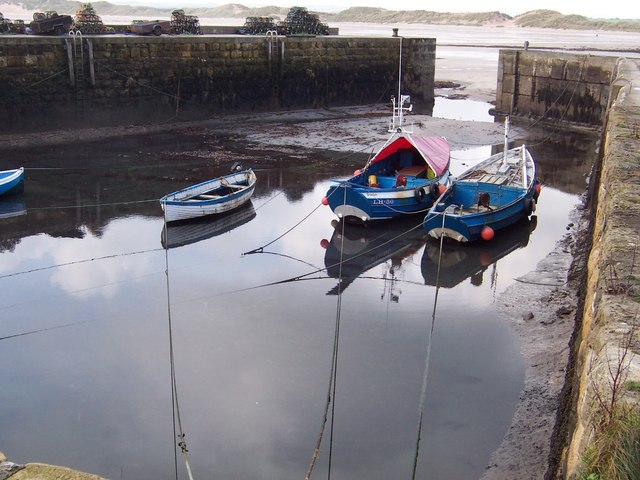 Low tide, Beadnell harbour