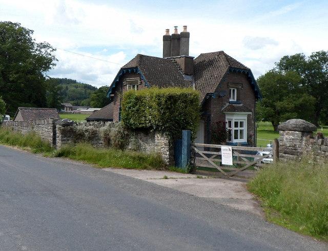 West Lodge, Glanusk Estate