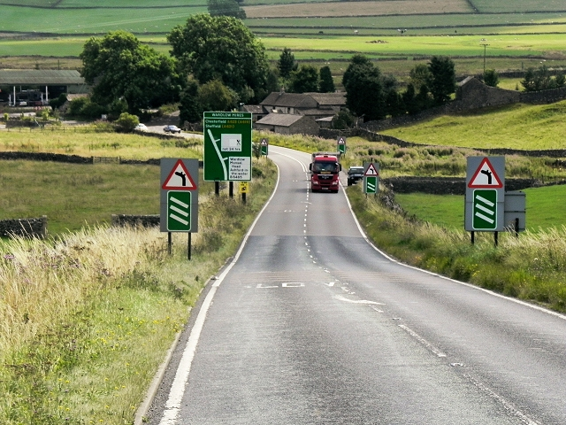 A623 Approaching Wardlow Mires