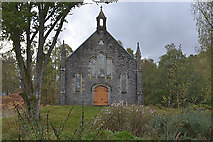 NH3129 : Disused church, Fasnakyle by Nigel Brown