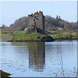NM9247 : Castle Stalker by Richard Webb