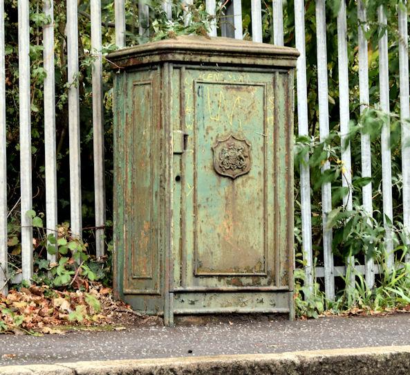 Old relay box, Belfast - October 2014(1)