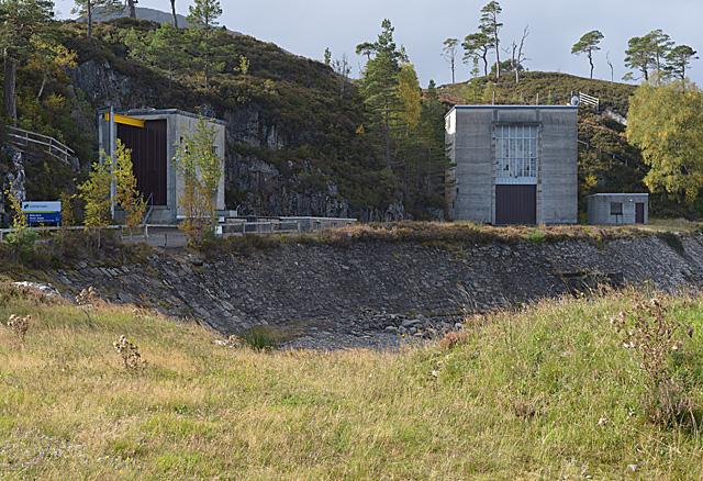 Hydro buildings by the Mullardoch dam