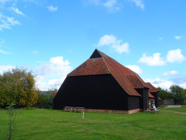 Grange Barn, Coggeshall by Bikeboy
