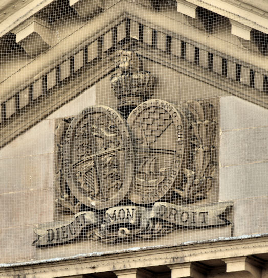Arms and portico, the Custom House, Belfast (October 2014)