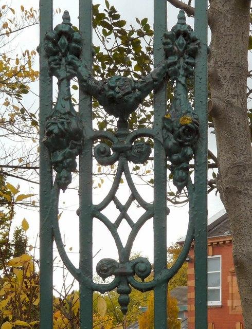 Hyde Grammar School: Decorative ironwork