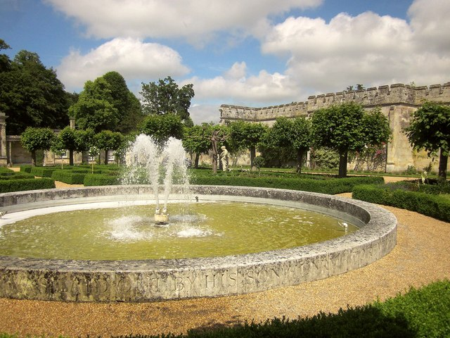 Fountain, Wilton House