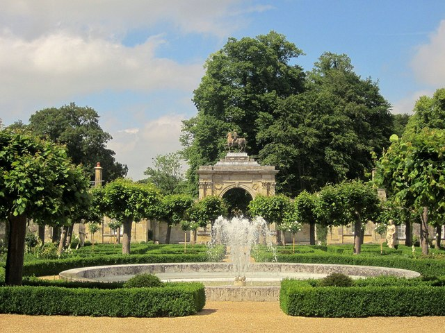 Fountain and arch, Wilton House