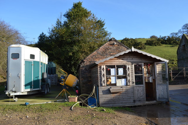 Office and trailer at Lower Stonehouse Farm riding school