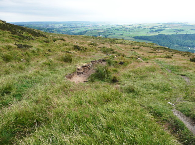 The Calderdale Way at the junction with the path southwards