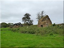 SS6808 : The ruins of Wood Farm by David Smith