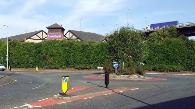 Roundabout on Inchinnan Road
