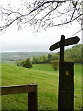 ST6501 : Footpath sign in Cerne Park, west of Cerne Abbas by Becky Williamson