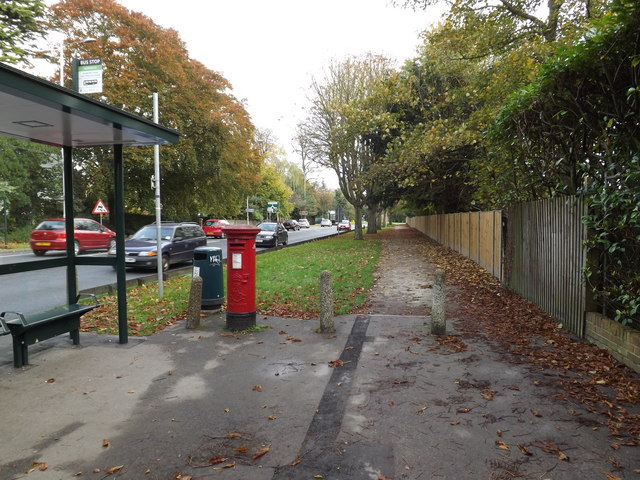 Newmarket Road/Eaton Road Edward VII Postbox
